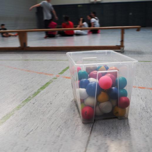 Jonglieren im Sportunterricht